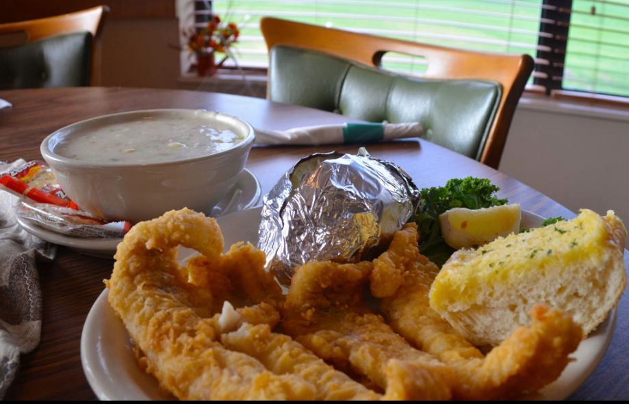 The Green Jacket Tap - N - Grill | restaurant | 22786 US-12, Edwardsburg, MI 49112, USA | 2696995349 OR +1 269-699-5349