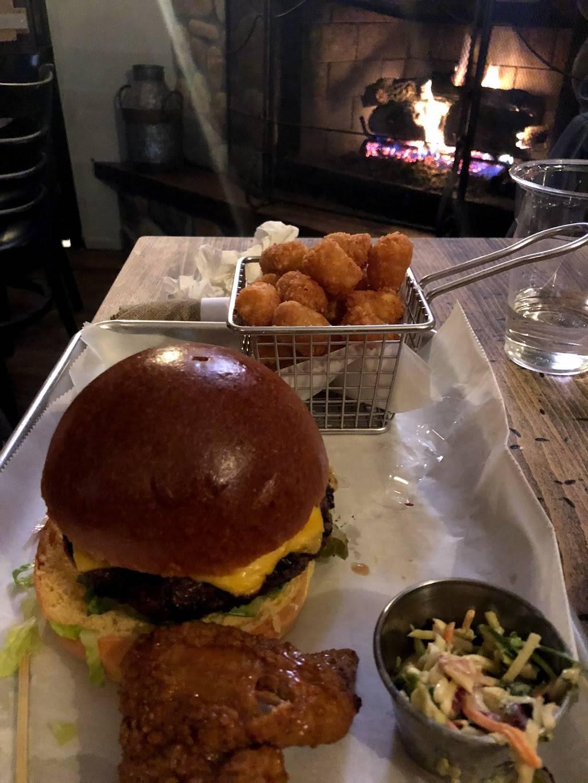 Elijah Churchills BBQ House | restaurant | 1031 Fort Salonga Rd, Northport, NY 11768, USA | 6312619678 OR +1 631-261-9678
