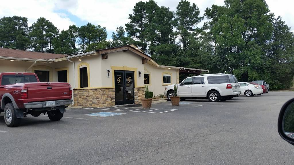 Giuseppes Pizza | restaurant | 7022 Boydton Plank Rd, Petersburg, VA 23803, USA | 8047331300 OR +1 804-733-1300