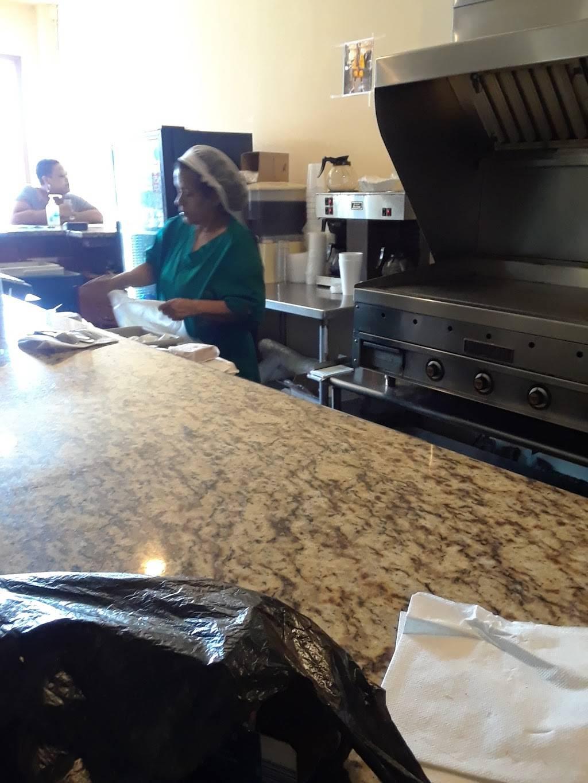 Soul Source   restaurant   2101 Edmondson Ave, Baltimore, MD 21223, USA   4103622483 OR +1 410-362-2483