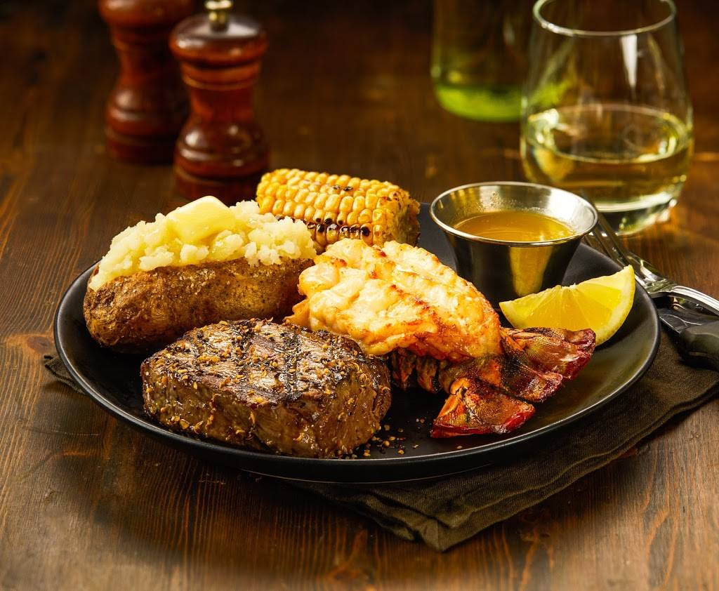 Chucks Roadhouse Bar & Grill   restaurant   261 Woodlawn Rd W, Guelph, ON N1H 8J1, Canada   5192656662 OR +1 519-265-6662