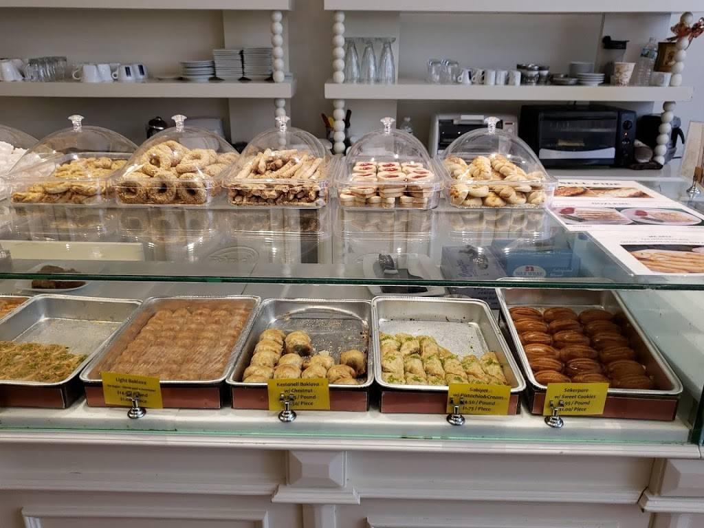 Brighton Güllüoglu Baklava Cafe   cafe   239 Brighton Beach Ave, Brooklyn, NY 11235, USA   3475776150 OR +1 347-577-6150