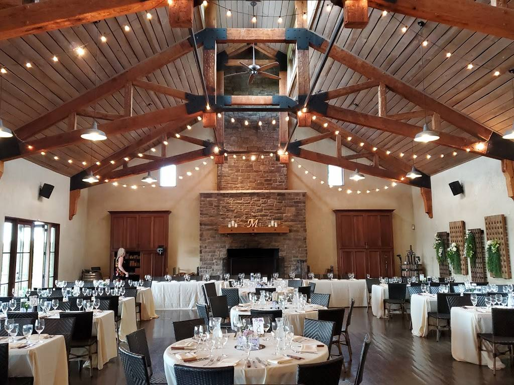 Chandler Hill Winery | restaurant | 596 Defiance Rd, Defiance, MO 63341, USA | 6367982675 OR +1 636-798-2675