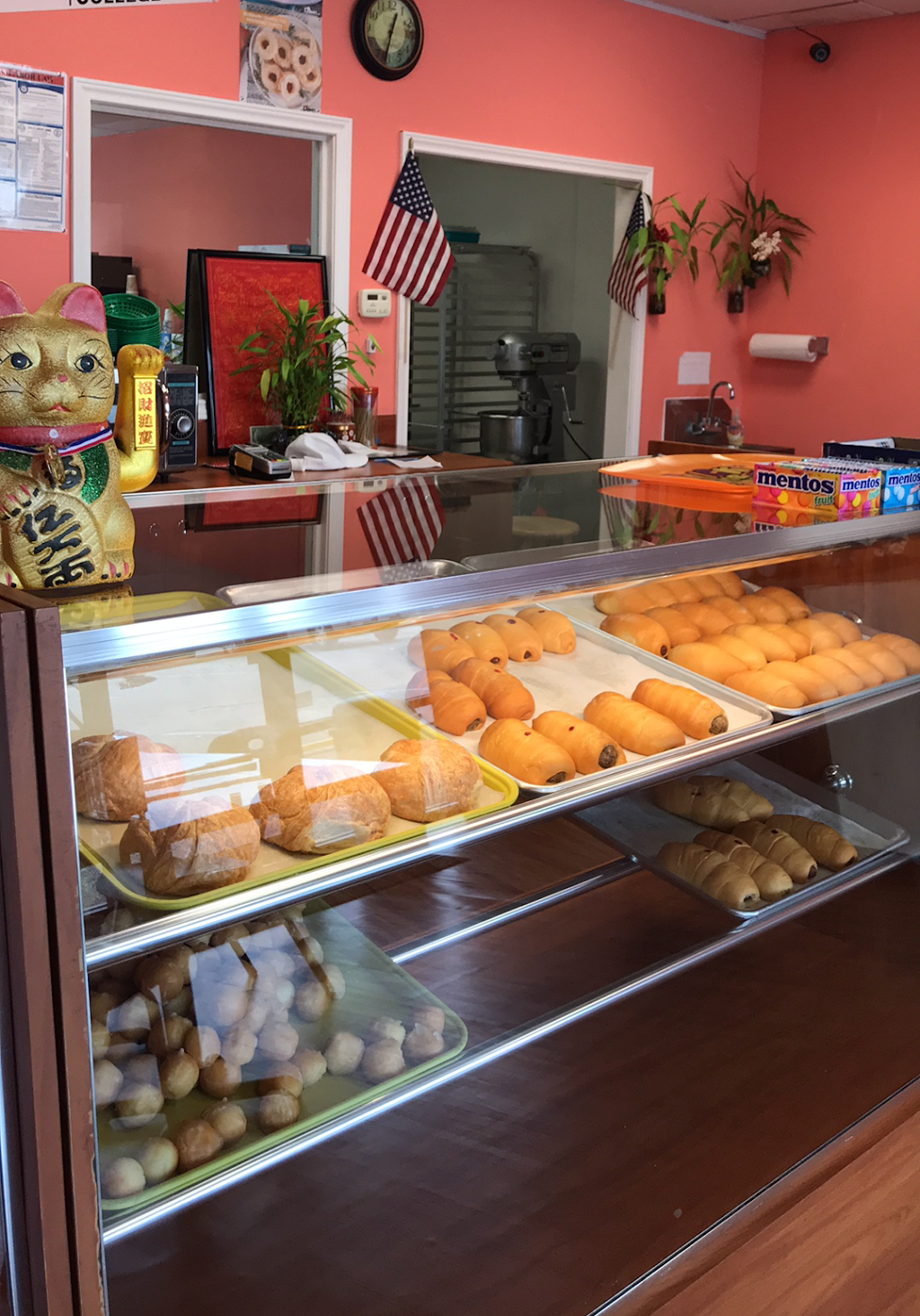 Snowflake donuts   restaurant   7010 Woodridge Dr, Houston, TX 77087, USA   8327425578 OR +1 832-742-5578