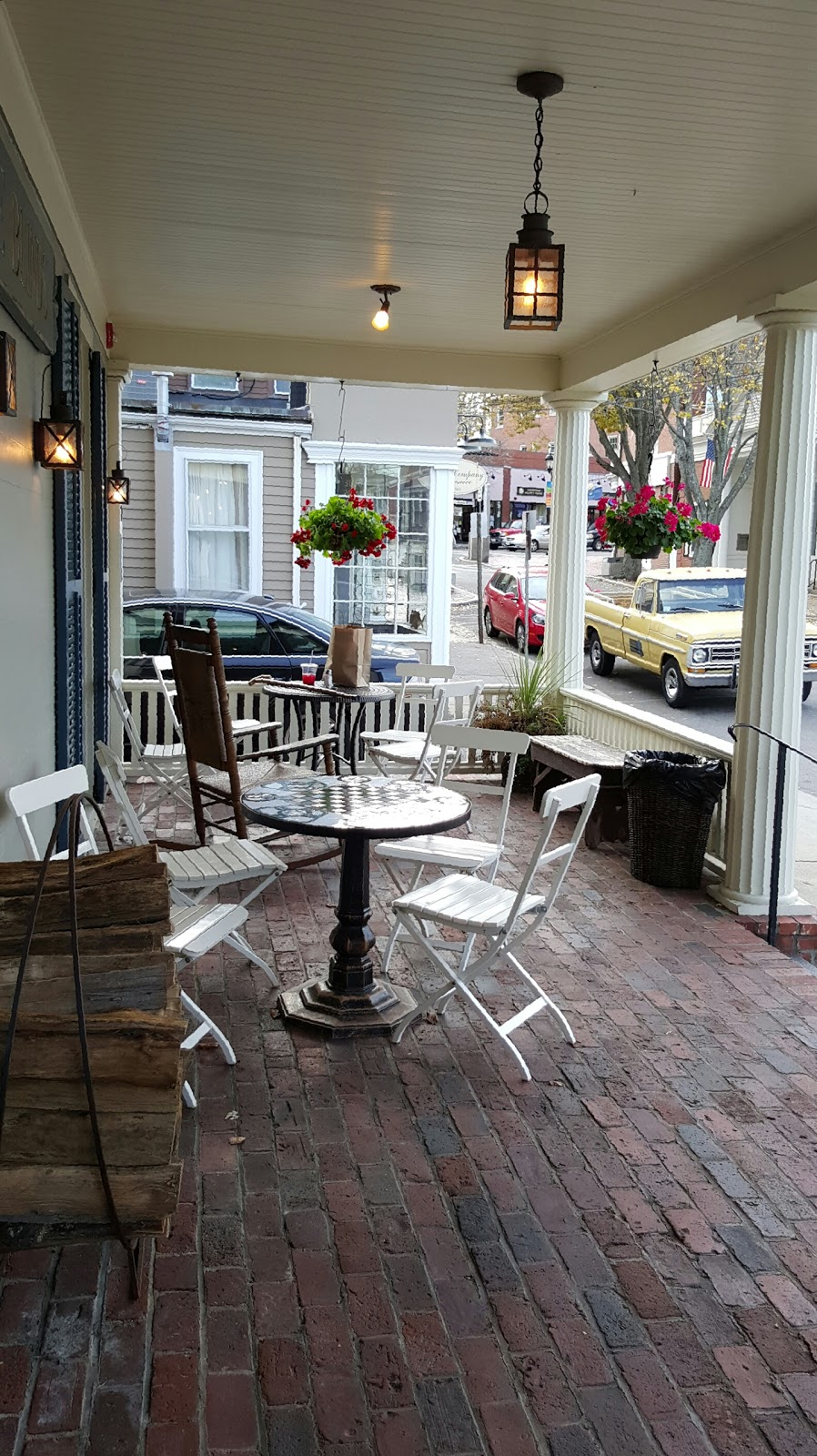 Yellow Deli/Blue Blinds Bakery   meal takeaway   7 North St, Plymouth, MA 02360, USA   5087470462 OR +1 508-747-0462