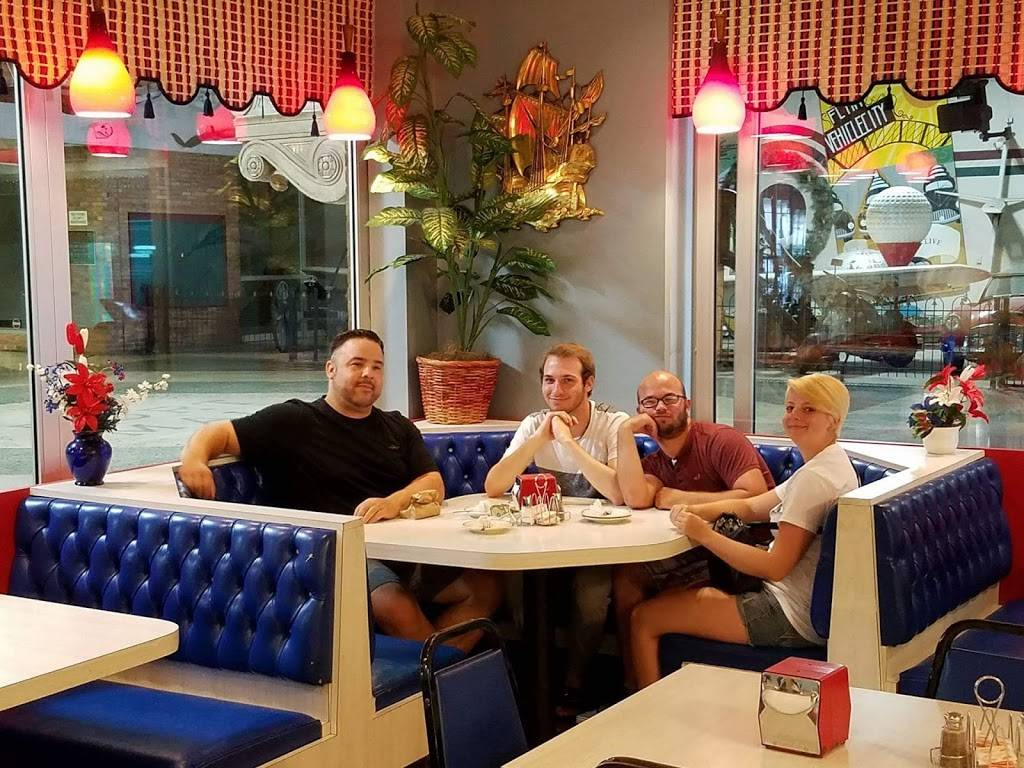 Star Brothers Coney Island | restaurant | 3600 S Dort Hwy # 18, Flint, MI 48507, USA | 8107430212 OR +1 810-743-0212