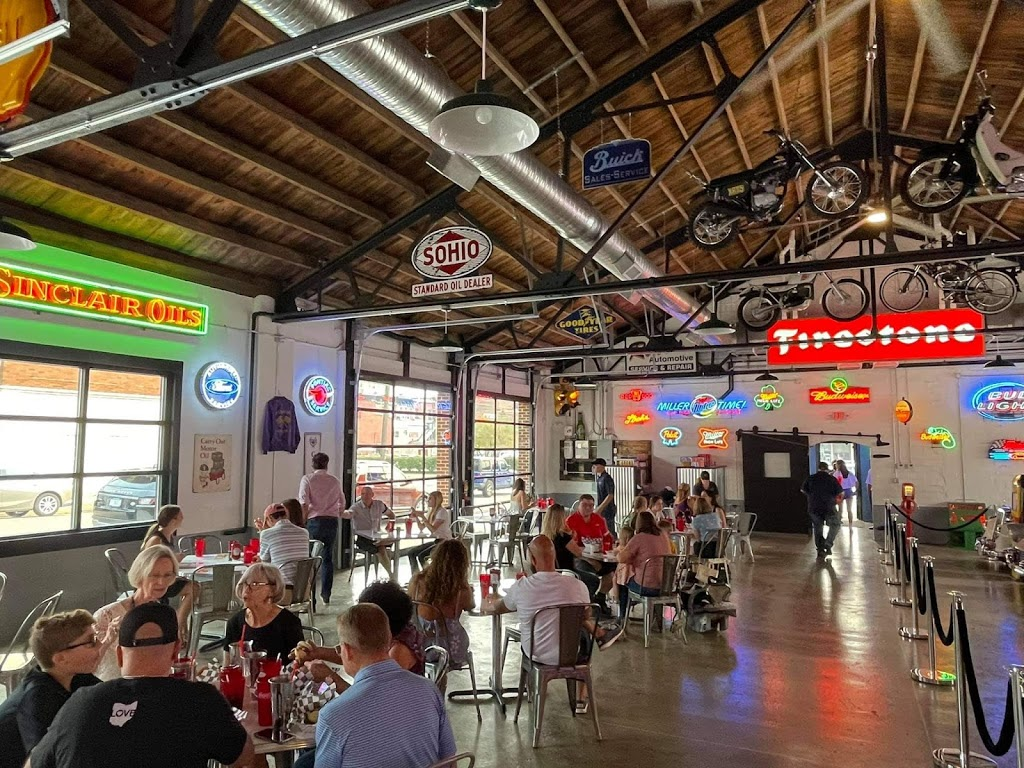Chloes Diner | restaurant | 112 1st St NE, Massillon, OH 44646, USA | 3308800104 OR +1 330-880-0104