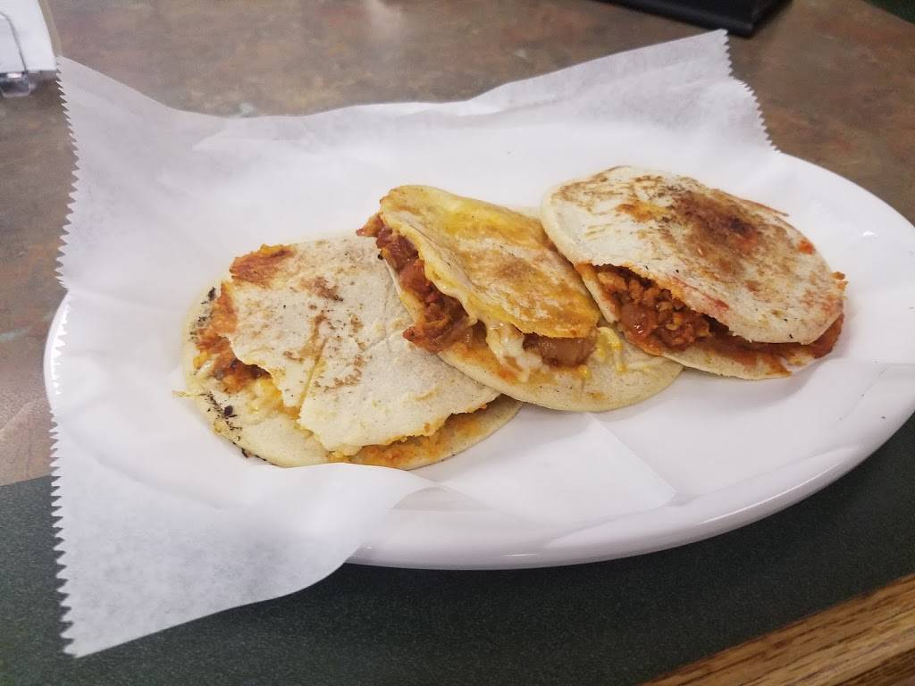 Gorditas El Terre | restaurant | 3 N Addison Rd, Addison, IL 60101, USA | 8152951525 OR +1 815-295-1525