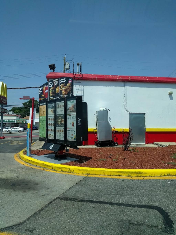 McDonalds | cafe | 1388 Hylan Blvd, Staten Island, NY 10305, USA | 7189805028 OR +1 718-980-5028