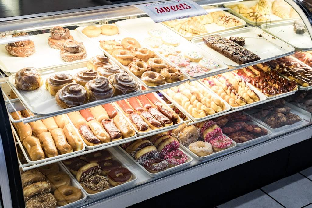 Nigh-Time Donuts | bakery | 299 N Main St, Tooele, UT 84074, USA | 4358828503 OR +1 435-882-8503