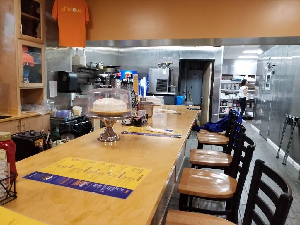 Degg Diner   restaurant   204 W Main St, Norfolk, VA 23510, USA   7576263447 OR +1 757-626-3447