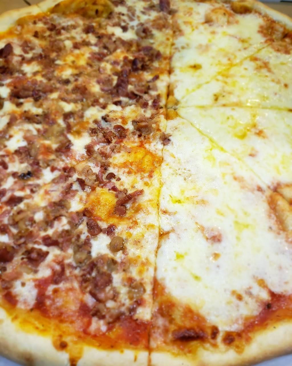 Lauras Pizza   meal delivery   3073 Bailey Ave, Bronx, NY 10463, USA   7184321313 OR +1 718-432-1313