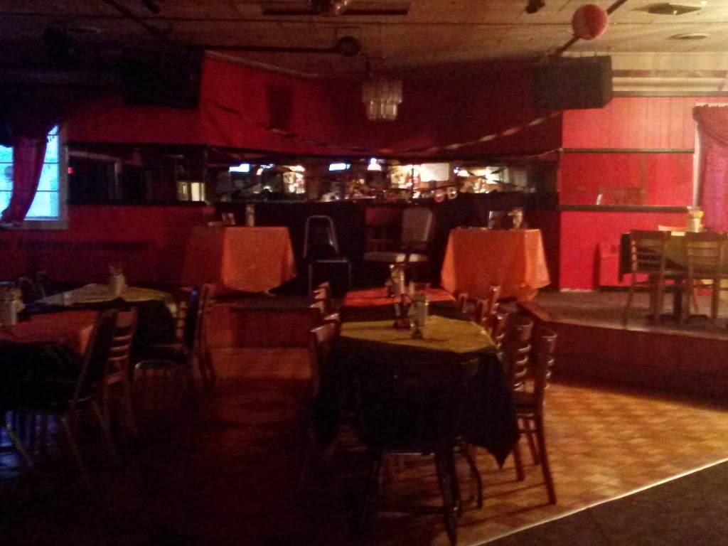 Escapades   night club   77 Broadway, Raynham, MA 02767, USA   5088239671 OR +1 508-823-9671