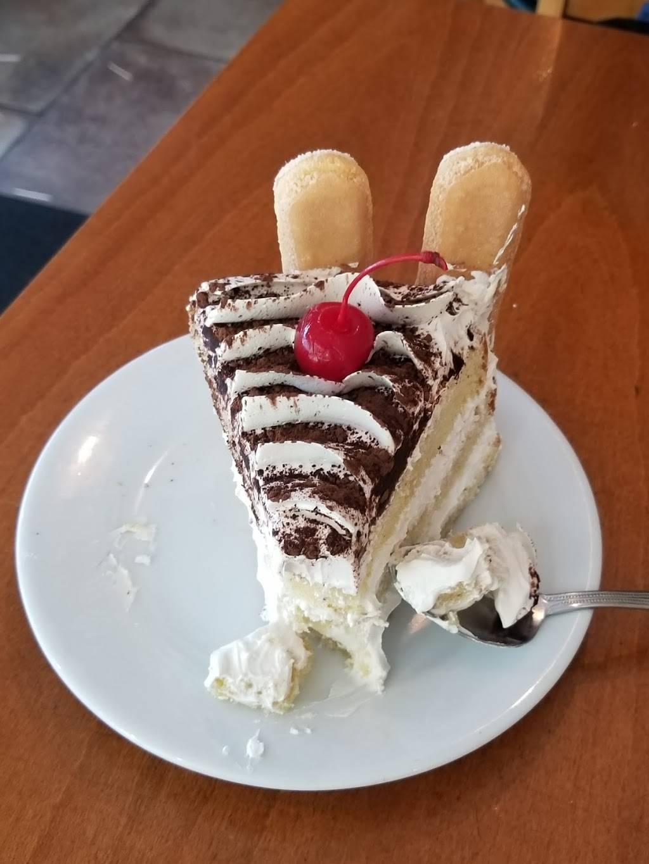El Montañero | bakery | 55-21 Myrtle Ave, Ridgewood, NY 11385, USA | 7183660400 OR +1 718-366-0400