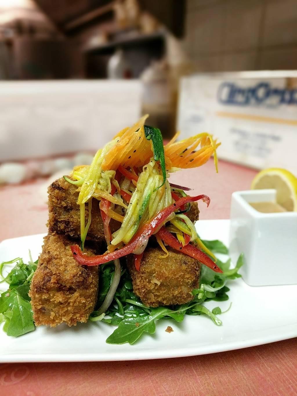 Snappers Bar & Grill | restaurant | 120 E Allen St, Mechanicsburg, PA 17055, USA | 7176979475 OR +1 717-697-9475