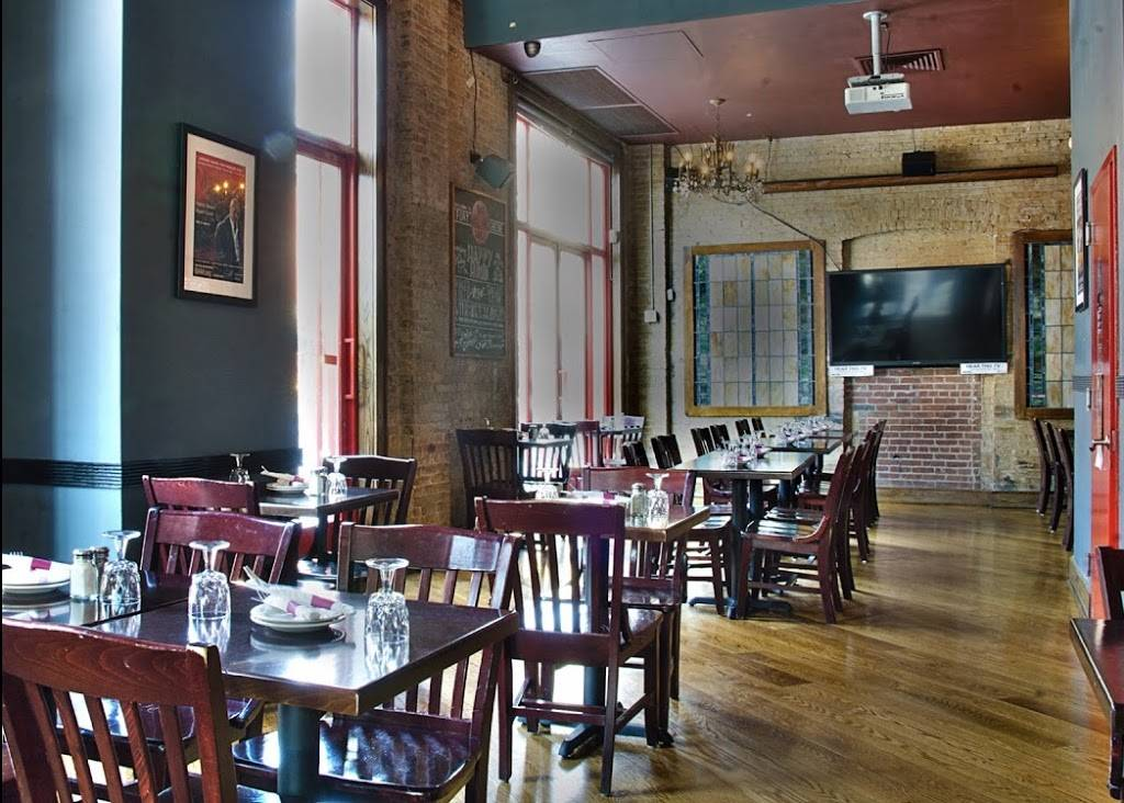 Mullanes Bar & Grill | restaurant | 71 Lafayette Ave, Brooklyn, NY 11217, USA | 7187977606 OR +1 718-797-7606