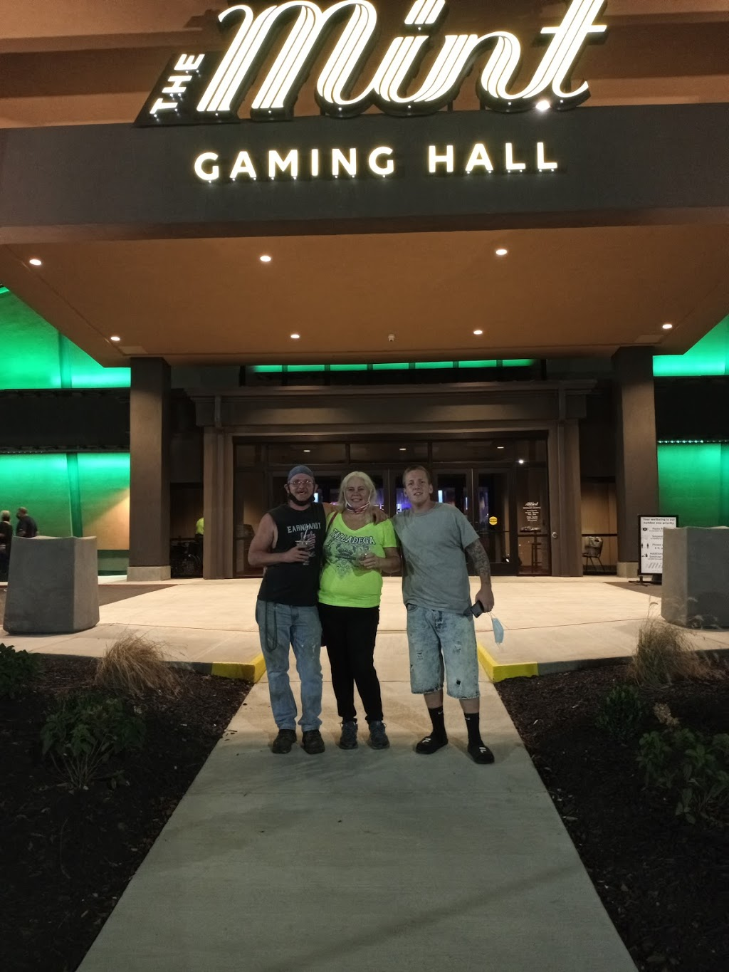 The Mint Gaming Hall | restaurant | 5629 Nashville Rd, Franklin, KY 42134, USA | 2705867778 OR +1 270-586-7778