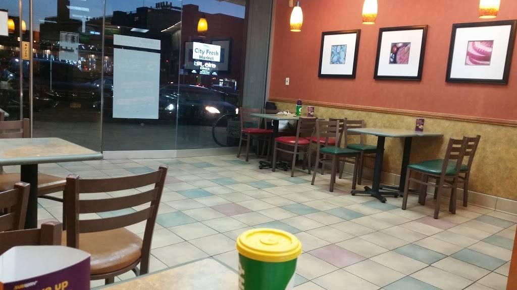 Subway Restaurants | restaurant | 21-09 Broadway, Astoria, NY 11106, USA | 7187268868 OR +1 718-726-8868