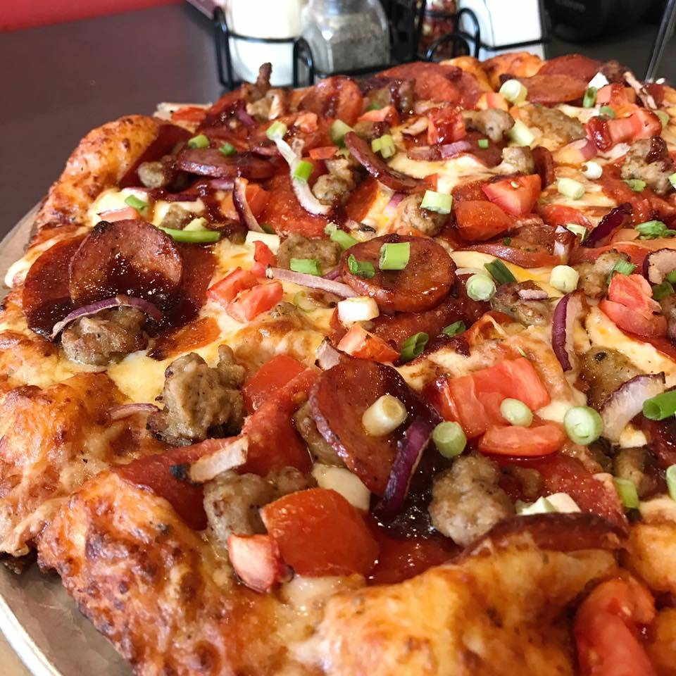 Round Table Pizza Wings Brew Meal Delivery 750 Admiral