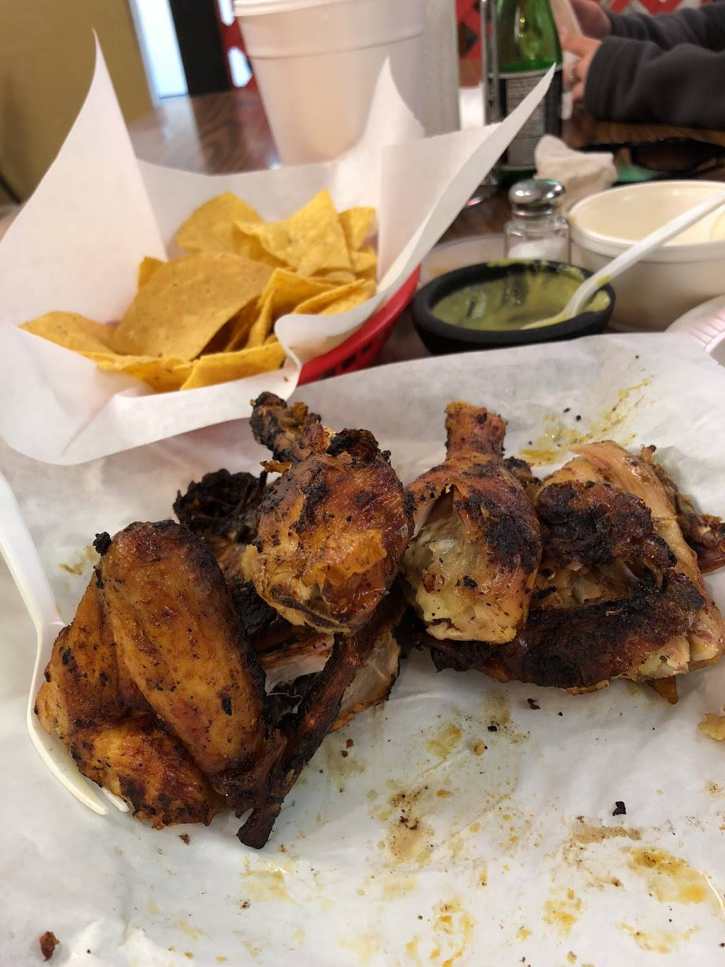 Pollos Asados Rey Regio | restaurant | 646 10th St, Hempstead, TX 77445, USA | 9799215023 OR +1 979-921-5023