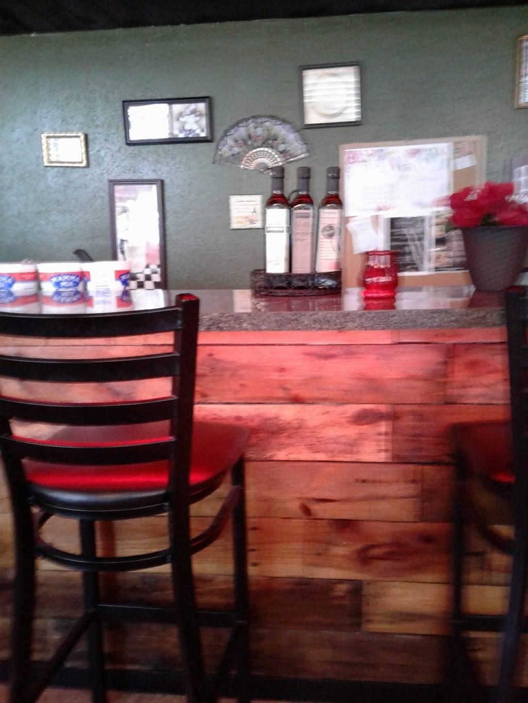 Bizzocos Italian Pizzeria | restaurant | 1413 Kass Cir, Spring Hill, FL 34606, USA | 3526834355 OR +1 352-683-4355