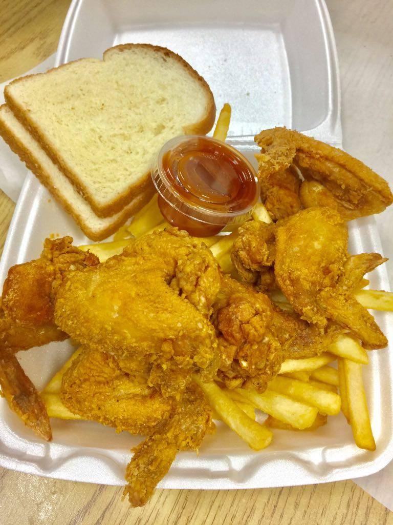 Maggie Gyros & Chicken | restaurant | 349 E 47th St, Chicago, IL 60653, USA | 7739241110 OR +1 773-924-1110