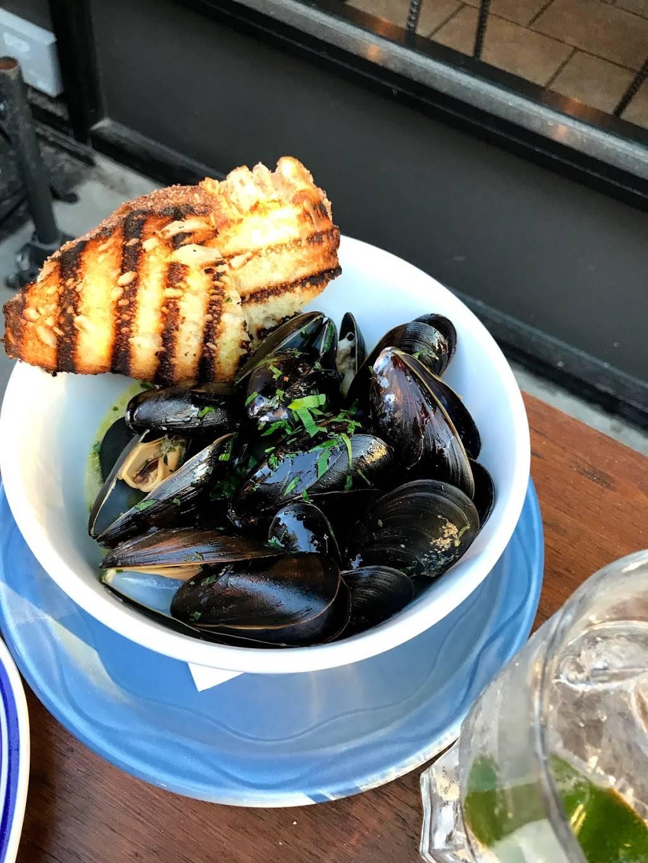 Porto Salvo | restaurant | 424 E 161st St, Bronx, NY 10451, USA | 9293767866 OR +1 929-376-7866
