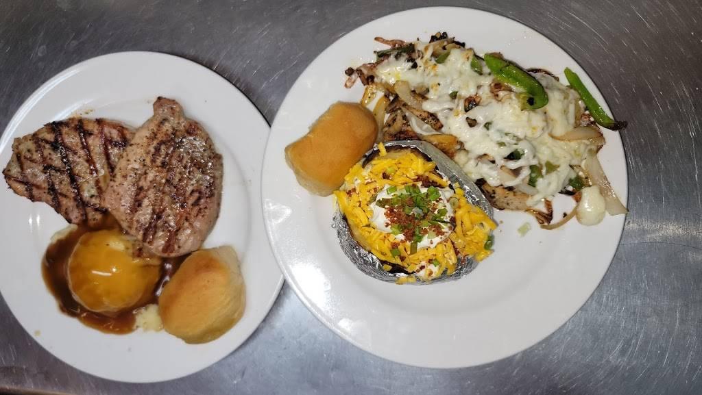 Bryans Daily Treat | restaurant | 109 S Lavaca Dr, Moulton, TX 77975, USA | 3615965006 OR +1 361-596-5006