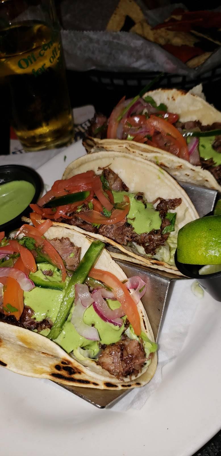 Croxleys Ale House - Brooklyn | restaurant | 63 Grand St, Brooklyn, NY 11249, USA | 7183874290 OR +1 718-387-4290