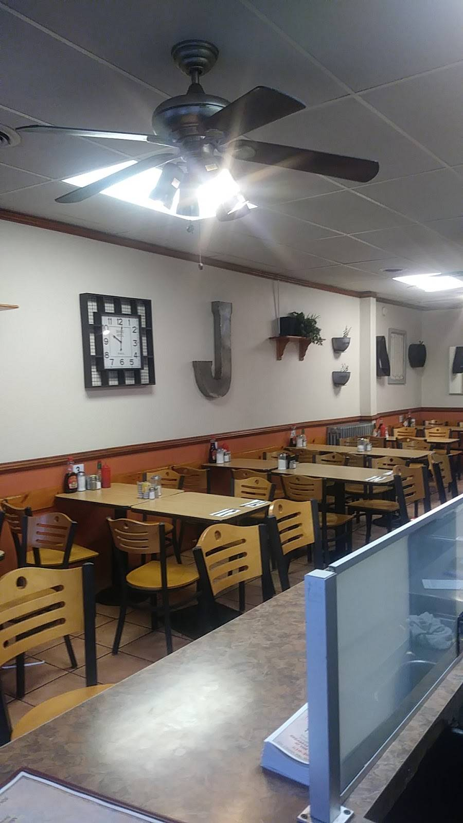 Jimmys | restaurant | 926 Chester Pike #1413, Sharon Hill, PA 19079, USA | 6104612819 OR +1 610-461-2819