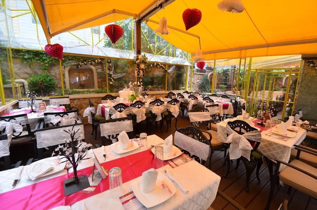 Victory Garden Cafe | restaurant | 2169 Steinway St, Astoria, NY 11105, USA | 7182742087 OR +1 718-274-2087