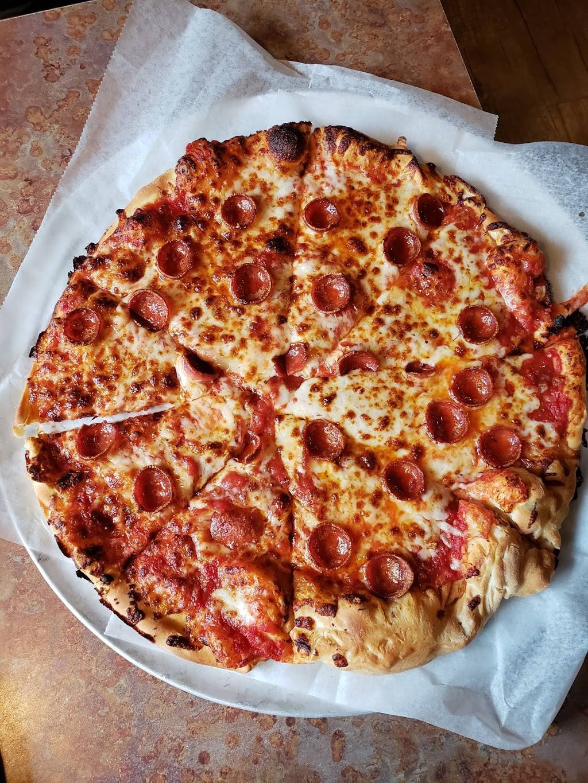 Ellsworth Pats Pizza | restaurant | 396 High St, Ellsworth, ME 04605, USA | 2076676011 OR +1 207-667-6011