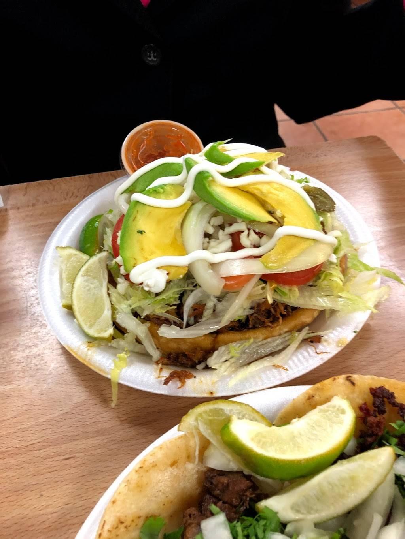La Sabrosita | restaurant | 3070 17th St, Sarasota, FL 34234, USA | 9413663330 OR +1 941-366-3330