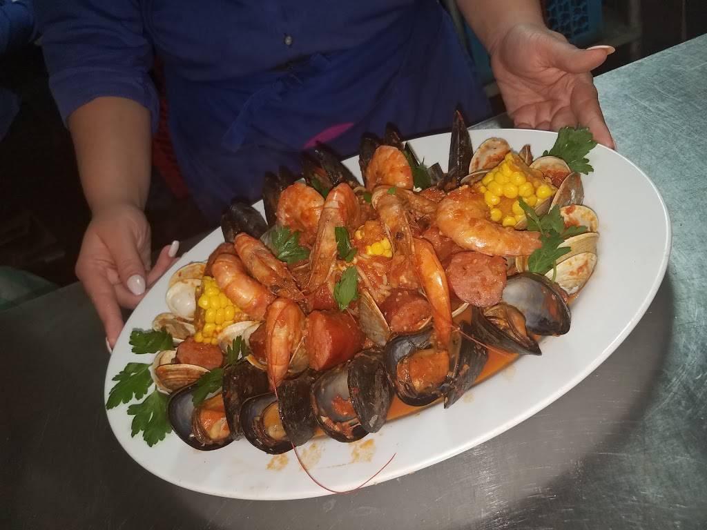 Galazio Restaurant & Bar | restaurant | 6223 Crain Hwy, La Plata, MD 20646, USA | 3013929500 OR +1 301-392-9500