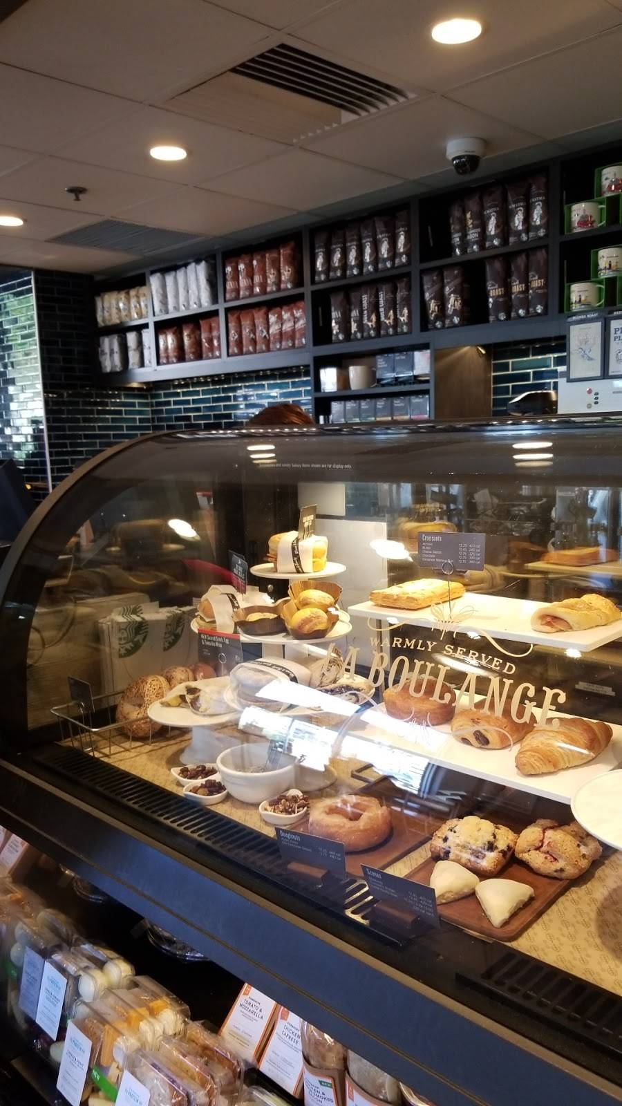 Starbucks | cafe | 3601 East-West Hwy, Hyattsville, MD 20782, USA | 3019855244 OR +1 301-985-5244