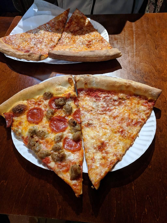 Pizza Prince | restaurant | 86 Nassau Ave, Brooklyn, NY 11222, USA | 7183890501 OR +1 718-389-0501