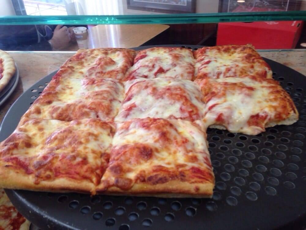 Vinnys Pizzeria | restaurant | 9701 57th Ave, Flushing, NY 11368, USA | 7186994433 OR +1 718-699-4433