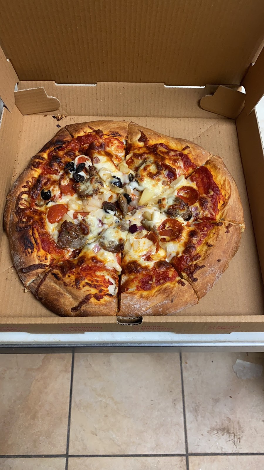 George's Pizza | restaurant | 234 W Camp St, East Peoria, IL 61611, USA | 3098392181 OR +1 309-839-2181