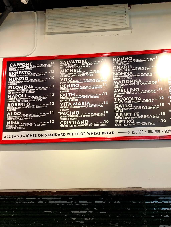 Chopt Creative Salad Co.   restaurant   1 New York Plaza, 2 Water St #1, New York, NY 10004, USA   6467419834 OR +1 646-741-9834