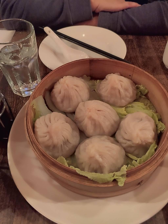 M Greenpoint   restaurant   732 Manhattan Ave, Brooklyn, NY 11222, USA   7183838889 OR +1 718-383-8889