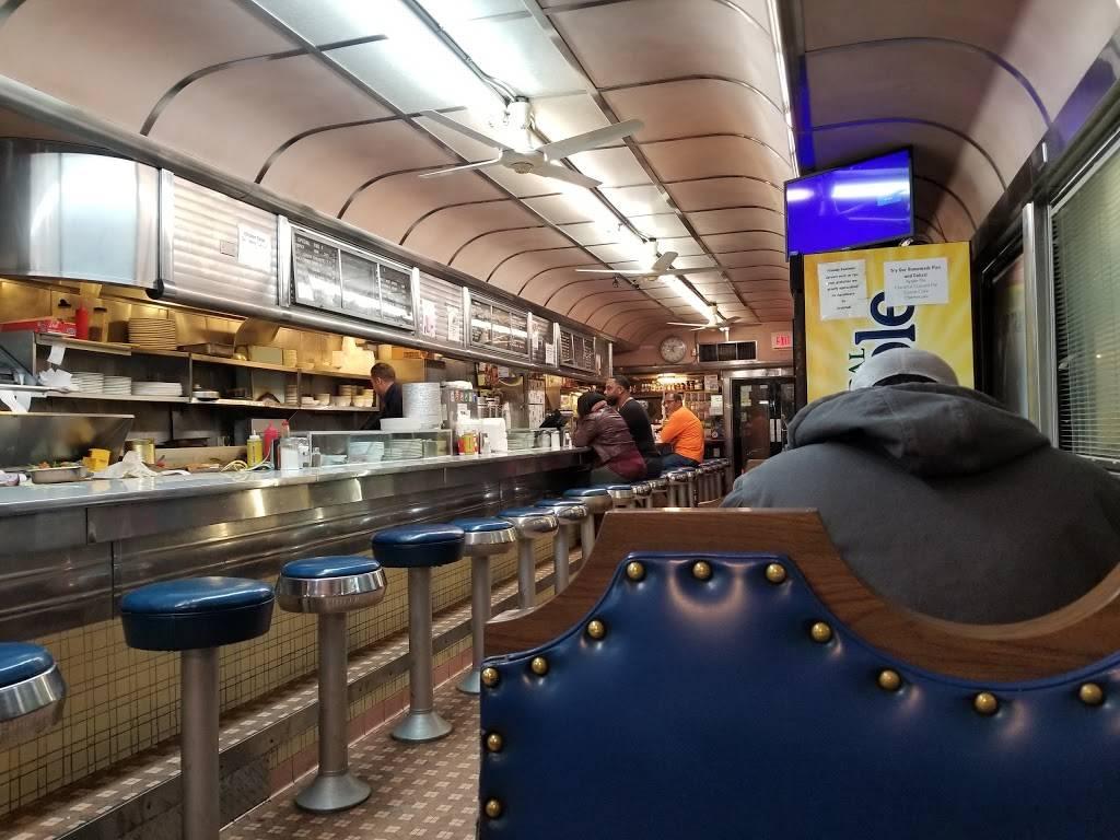 Truck Stop Diner   restaurant   1 Hackensack Ave, Kearny, NJ 07032, USA   9733444098 OR +1 973-344-4098