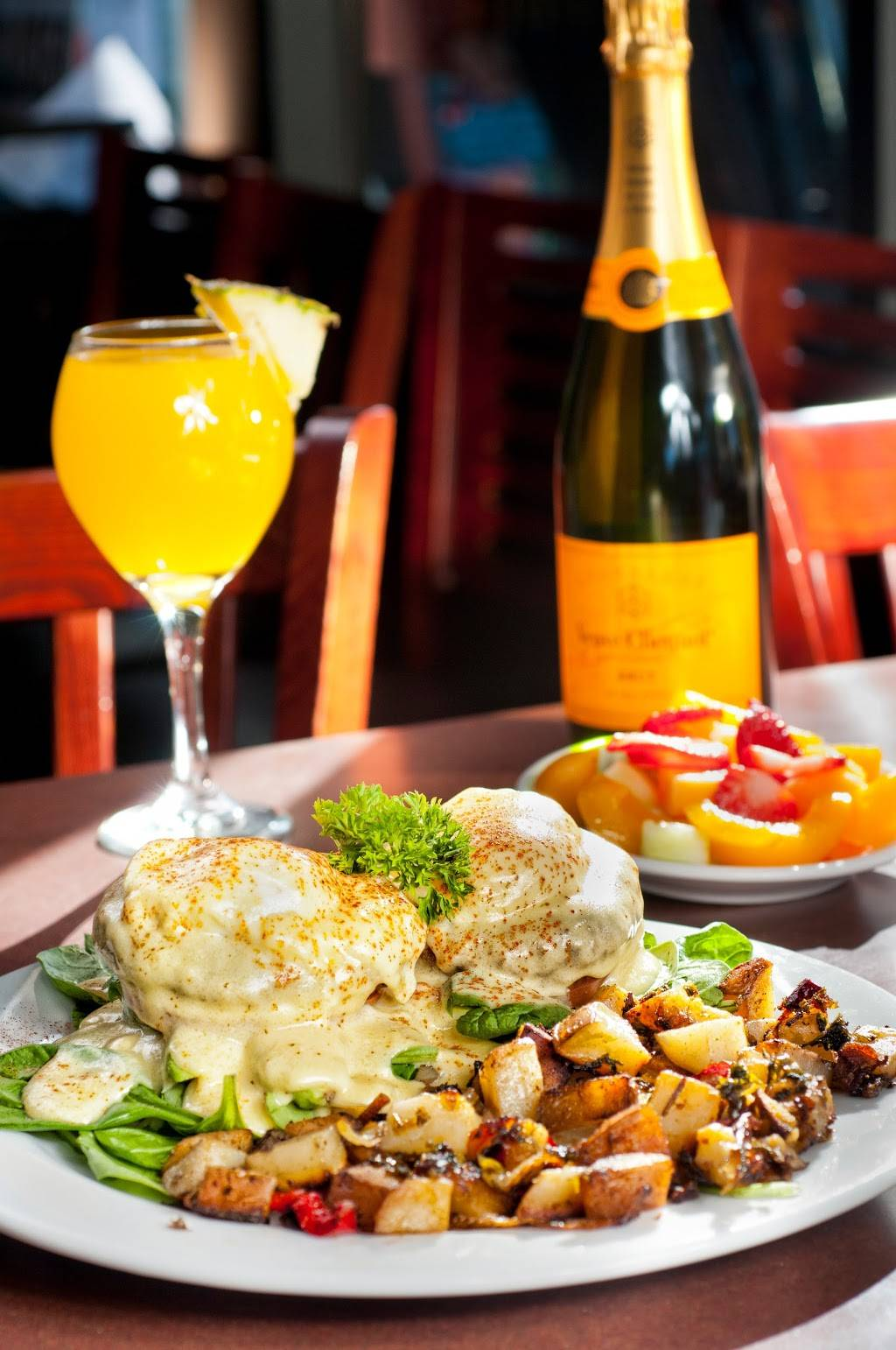 The Mimosa House - Restaurant | 25075 Blue Ravine Road 916-293-9442