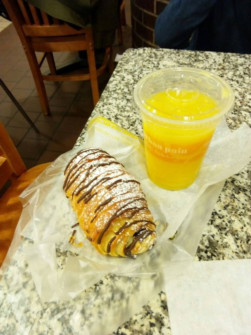 Au Bon Pain | cafe | 625 8th Ave, New York, NY 10018, USA | 2125025939 OR +1 212-502-5939