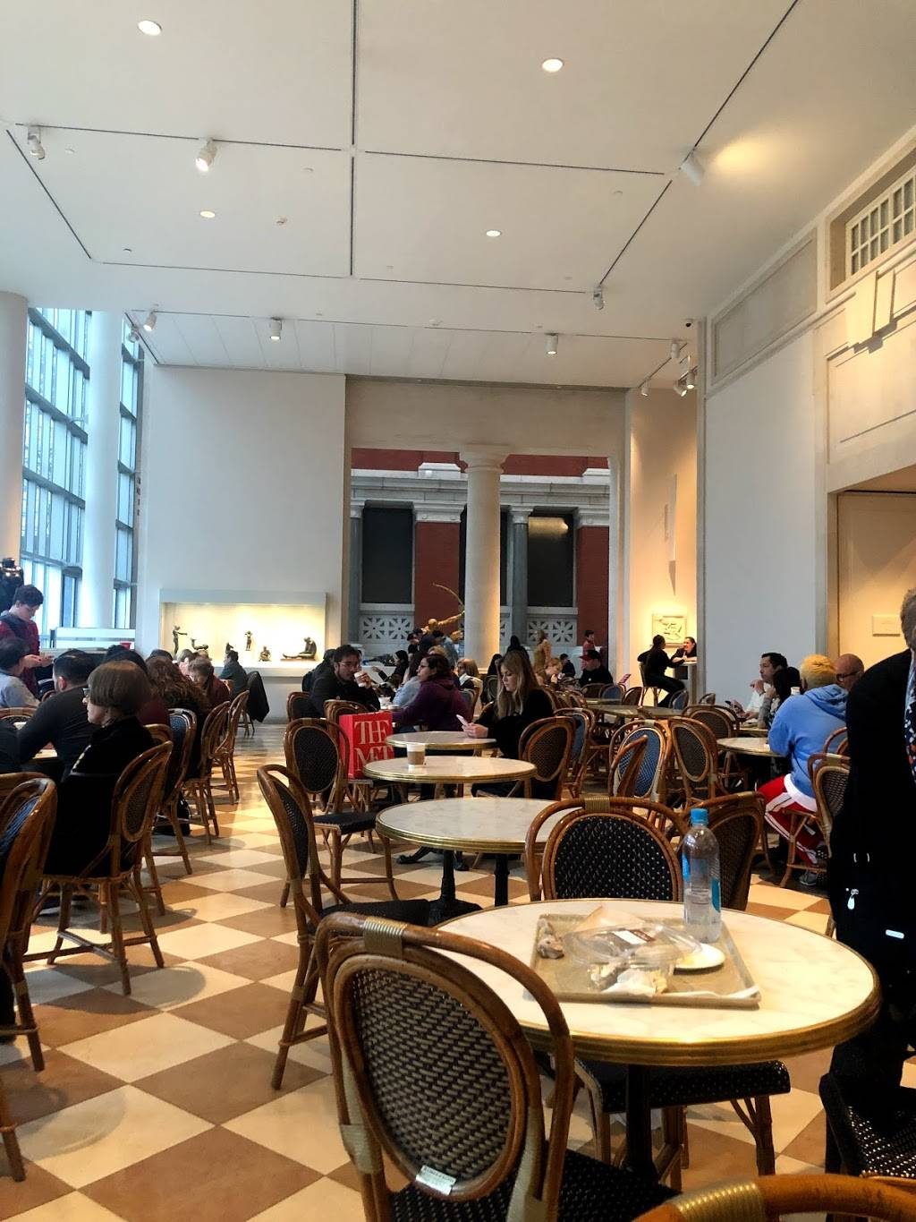 Petrie Court | cafe | 1000 5th Ave, New York, NY 10028, USA | 2125703964 OR +1 212-570-3964
