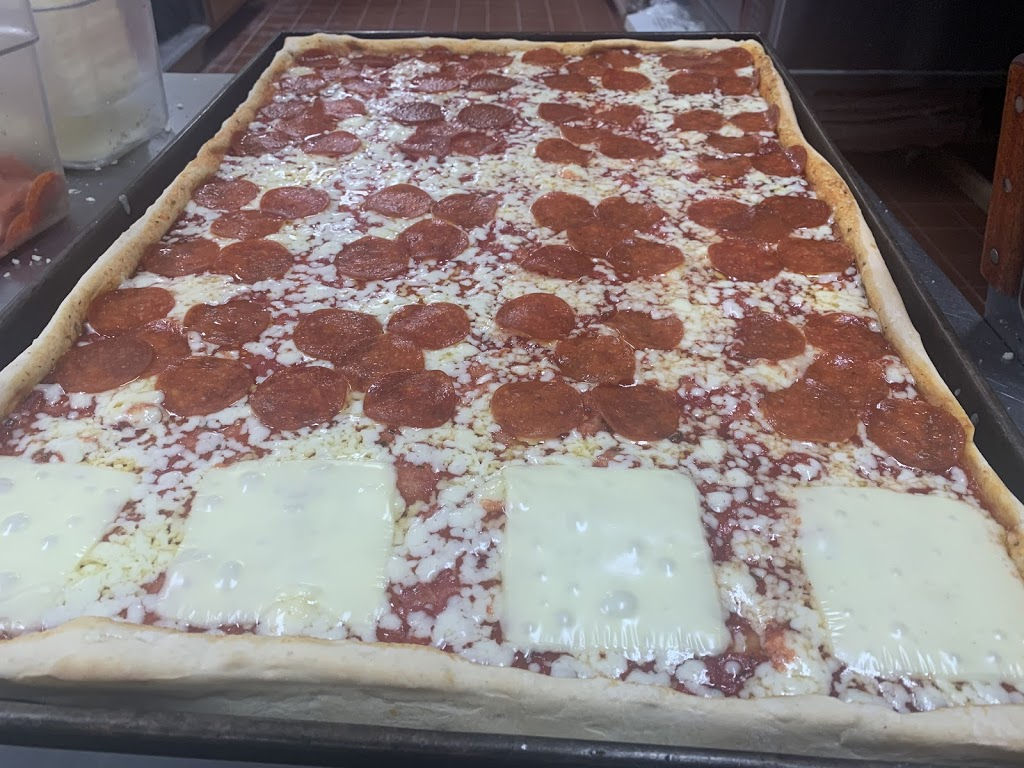 Endless Flavors Square Pizza and Bakery   restaurant   23 E Main St, Gloucester, MA 01930, USA   9785757028 OR +1 978-575-7028