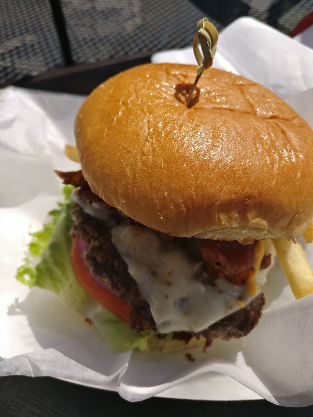 The Salty Cow | restaurant | 840 Street Rd, West Chester, PA 19382, USA | 6103990900 OR +1 610-399-0900