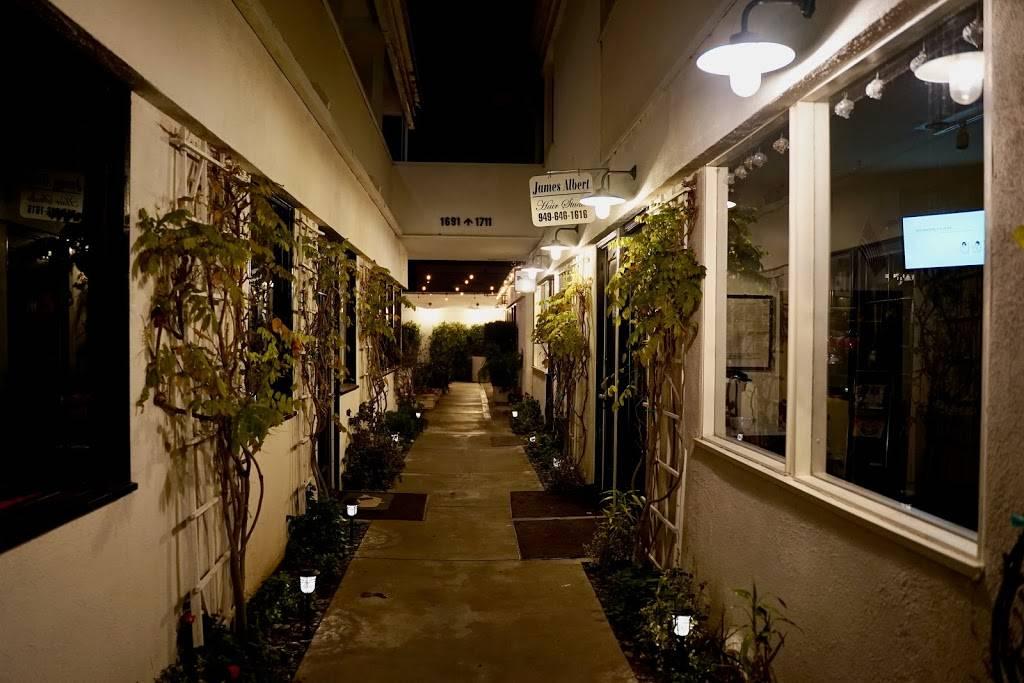 Cafe Sakana   restaurant   1703 Westcliff Dr, Newport Beach, CA 92660, USA   9492876511 OR +1 949-287-6511