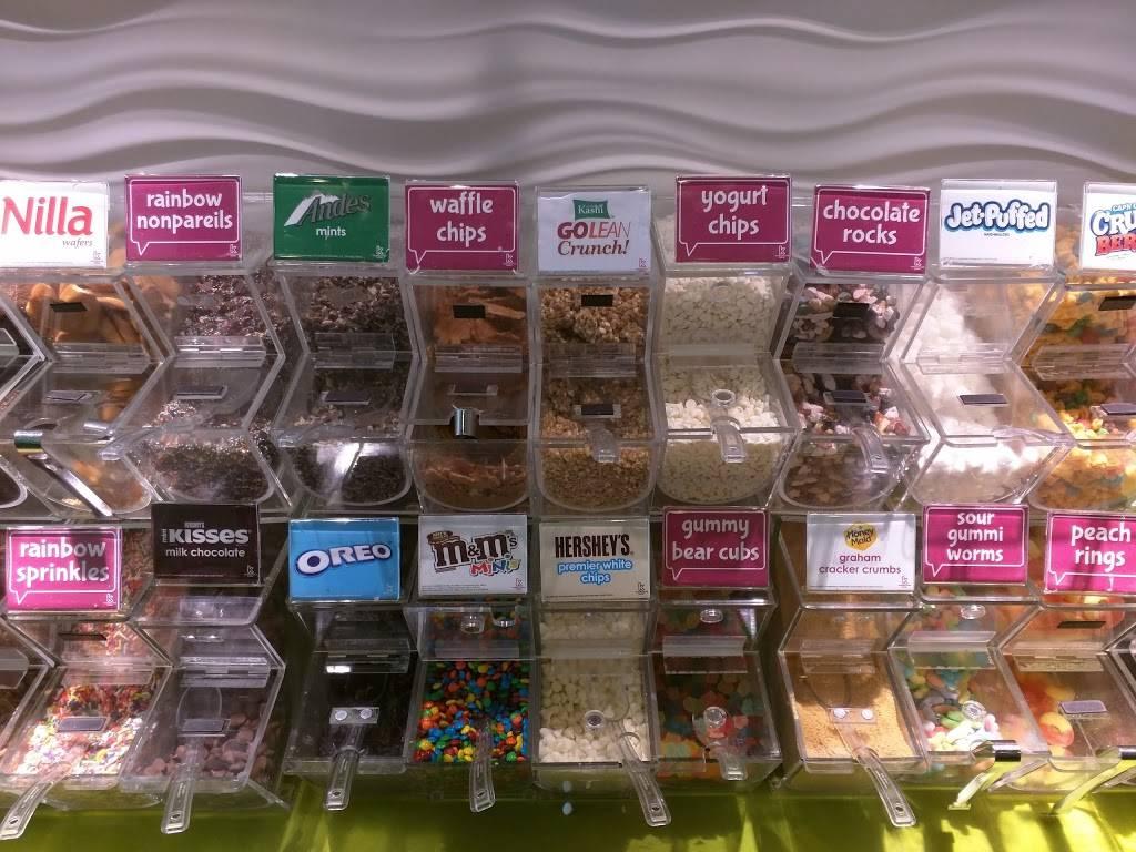 Menchies Frozen Yogurt | bakery | 7545 Sawmill Rd, Dublin, OH 43016, USA | 6143395656 OR +1 614-339-5656