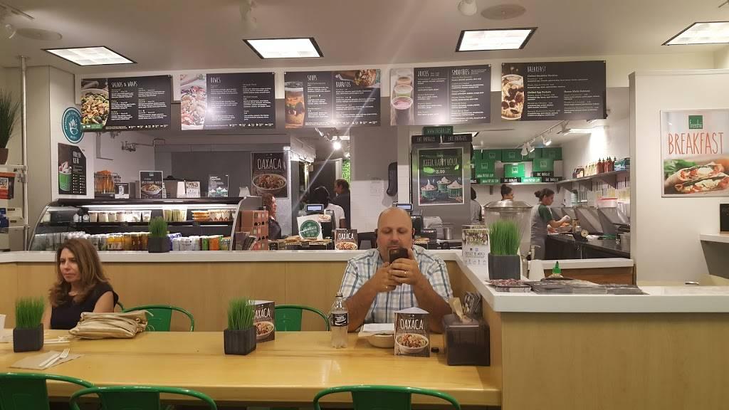 Freshii   restaurant   200 E Randolph St LL03, Chicago, IL 60601, USA   3122333399 OR +1 312-233-3399