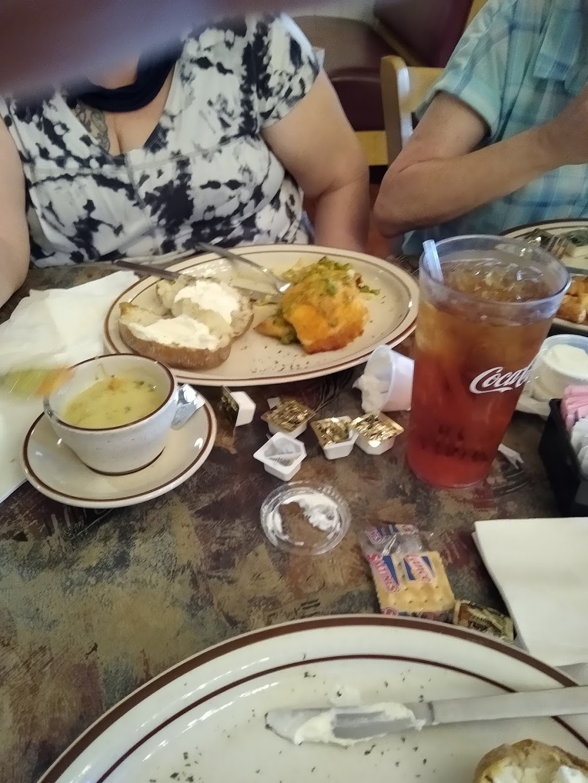 Kannapolis Family Restaurant | restaurant | 316 Brookdale St, Kannapolis, NC 28083, USA | 7049330160 OR +1 704-933-0160